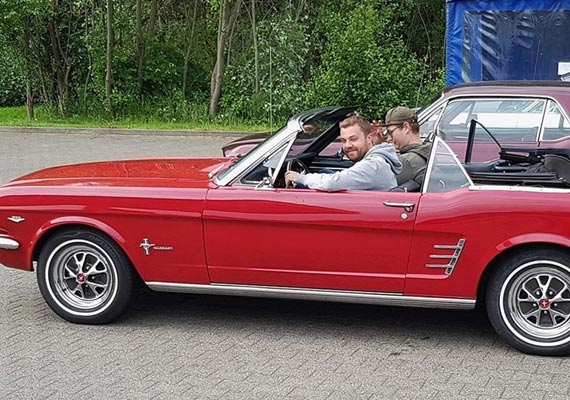 Baujahr: 1966, Farbe: Candy Apple Red, Pony Edition